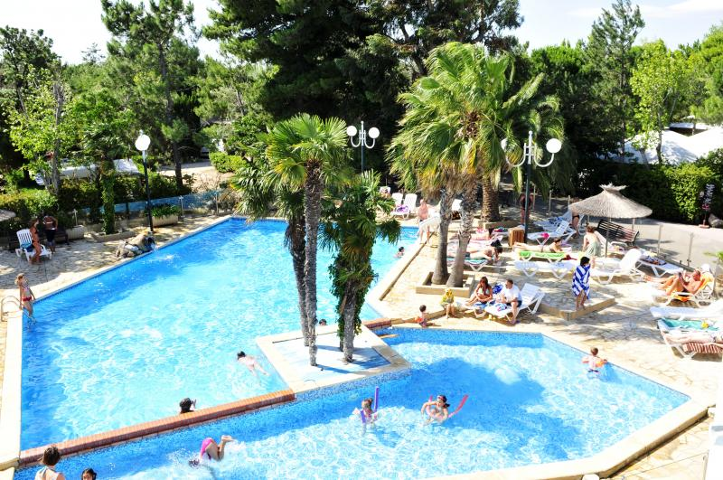 Camping municipal aveyron avec piscine